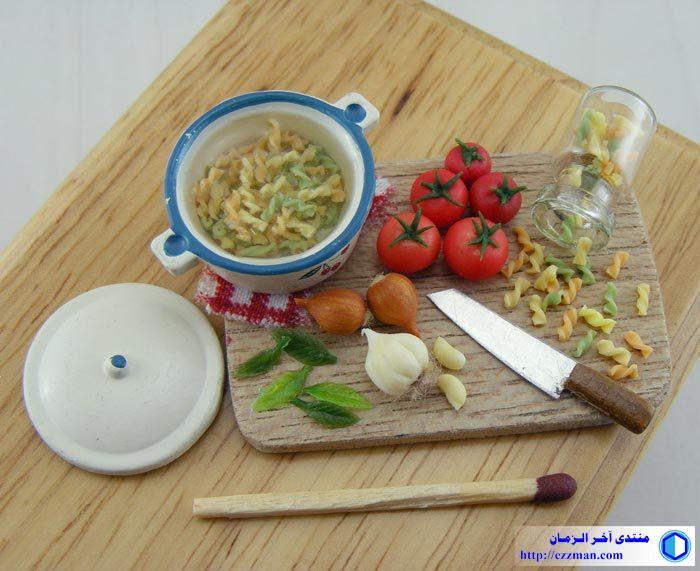 مطبخ ومواد غدائية مصغرة